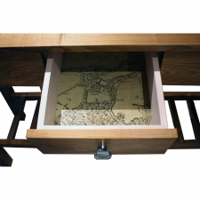 <p>Console Table</p>